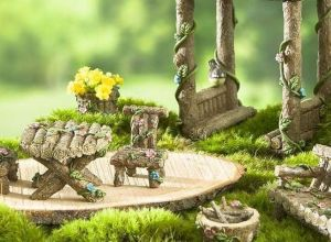 DIY Mini Fairy Garden for Miniature Landscaping