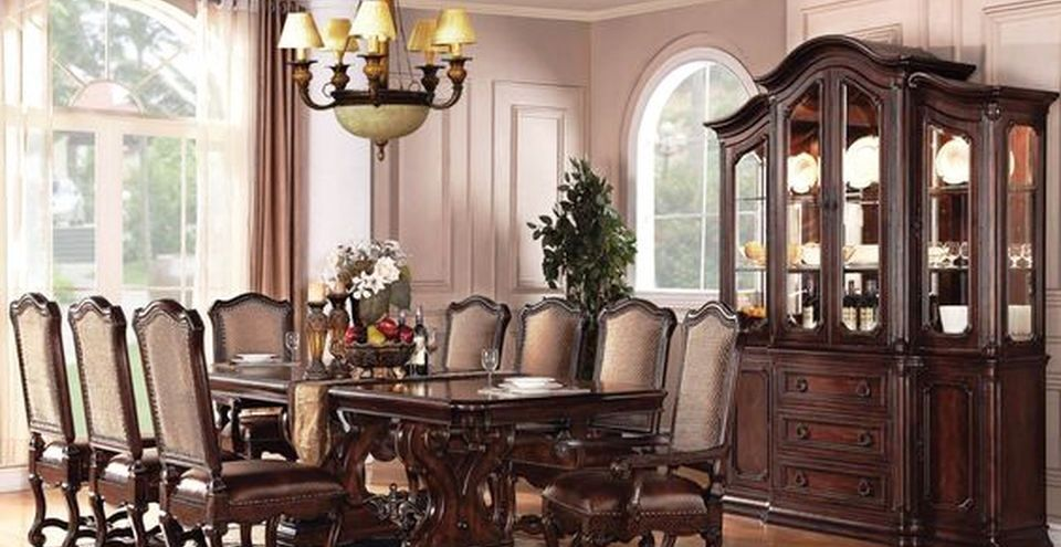 Glorious and Luxury Western Style Dining Room
