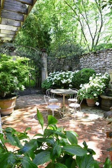 Small courtyard garden with seating area design and layout 103