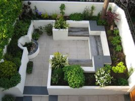 Small courtyard garden with seating area design and layout 104