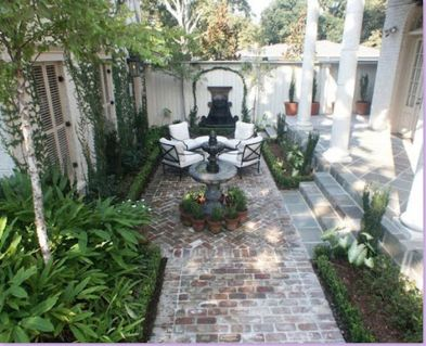 Small courtyard garden with seating area design and layout 40