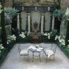 Small courtyard garden with seating area design and layout 44