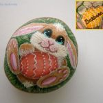 Creative DIY Easter Painted Rock Ideas 25