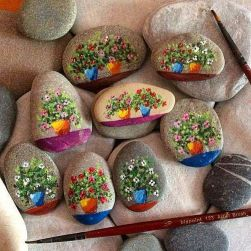 Creative DIY Easter Painted Rock Ideas 72