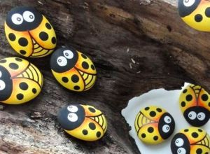 Creative DIY Easter Painted Rock