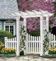 Fascinating Garden Gates and Fence Design Ideas 32
