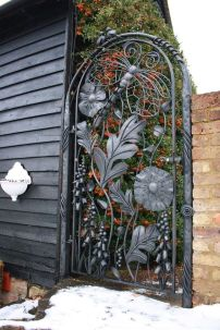 Fascinating Garden Gates and Fence Design Ideas 36