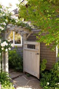 Fascinating Garden Gates and Fence Design Ideas 5