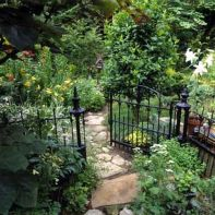 Fascinating Garden Gates and Fence Design Ideas 7