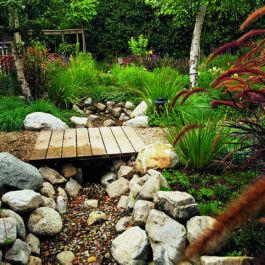 Inspiring Dry Riverbed and Creek Bed Landscaping Ideas 33