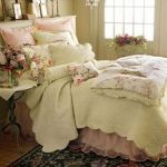 Lovely Romantic Bedroom Decorations for Couples 28