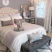 Lovely Romantic Bedroom Decorations for Couples 43