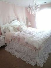 Lovely Romantic Bedroom Decorations for Couples 80