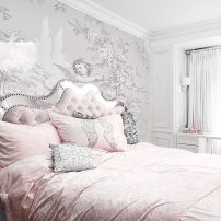 Lovely Romantic Bedroom Decorations for Couples 84