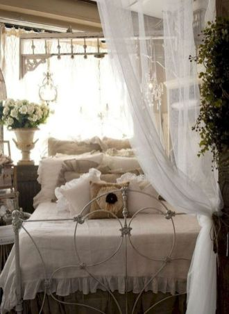 Lovely Romantic Bedroom Decorations for Couples 93