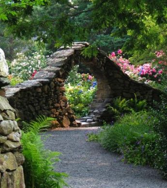 Stunning Creative DIY Garden Archway Design Ideas 26