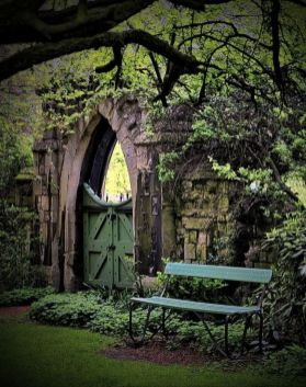Stunning Creative DIY Garden Archway Design Ideas 27