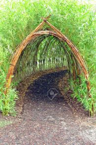 Stunning Creative DIY Garden Archway Design Ideas 34