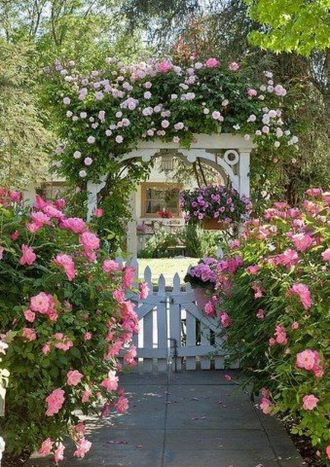 Stunning Creative DIY Garden Archway Design Ideas 50