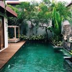 Stunning Outdoor Pool Landscaping Designs 100