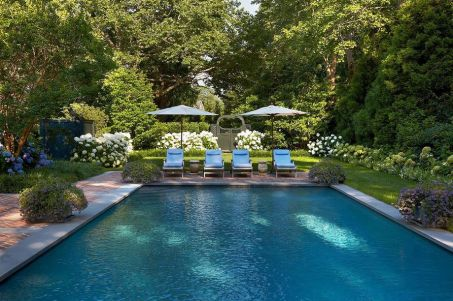 Stunning Outdoor Pool Landscaping Designs 58