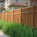 Stunning Privacy Fence Line Landscaping Ideas 14