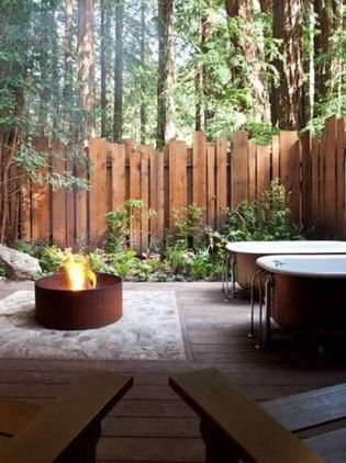 Stunning Privacy Fence Line Landscaping Ideas 23