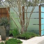 Stunning Privacy Fence Line Landscaping Ideas 45