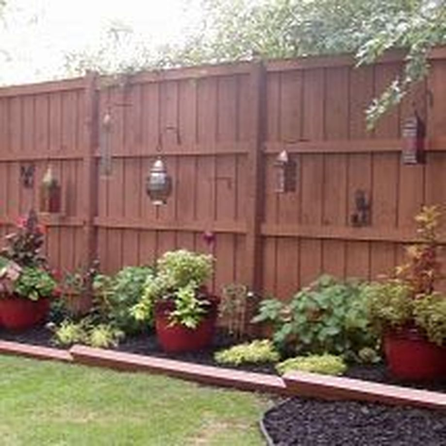 Stunning Privacy Fence Line Landscaping Ideas 1