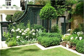 Stunning Privacy Fence Line Landscaping Ideas 61