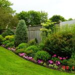 Stunning Privacy Fence Line Landscaping Ideas 92