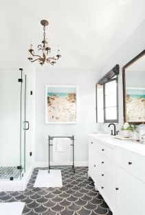 Vintage and Classic Bathroom Tile Design 35