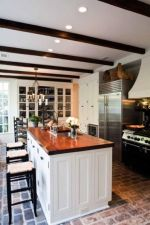 Amazing Brick Floor Kitchen Design Inspirations 16