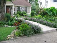 Front Yard and Garden Walkway Landscaping Inspirations 12