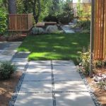 Front Yard and Garden Walkway Landscaping Inspirations 20