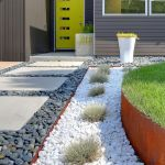 Modern and Contemporary Front Yard Landscaping Ideas 33