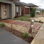 Modern and Contemporary Front Yard Landscaping Ideas 6
