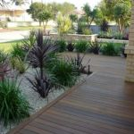 Modern and Contemporary Front Yard Landscaping Ideas 73