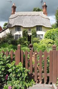 Wonderful European Cottage Exterior Design 18