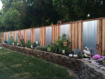 Stunning Creative Fence Ideas for Your Home Yard 38