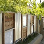 Stunning Creative Fence Ideas for Your Home Yard 52