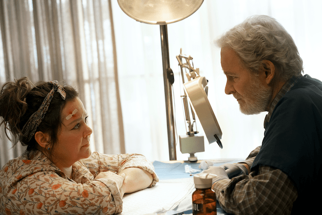 Melissa McCarthy and Kevin Kline in The Starling