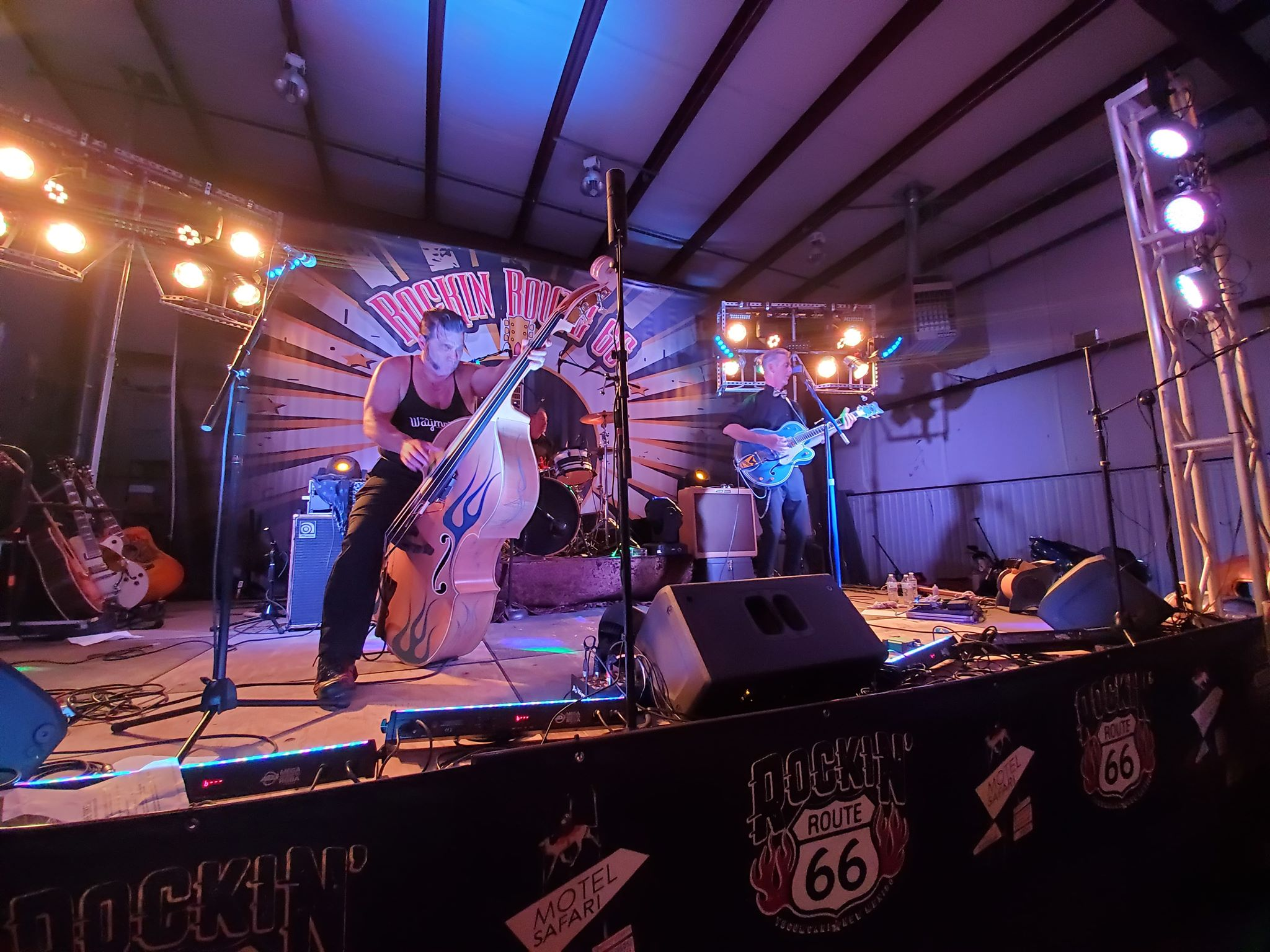 Slim and the Gems performing at Rockin Route 66 Livestream