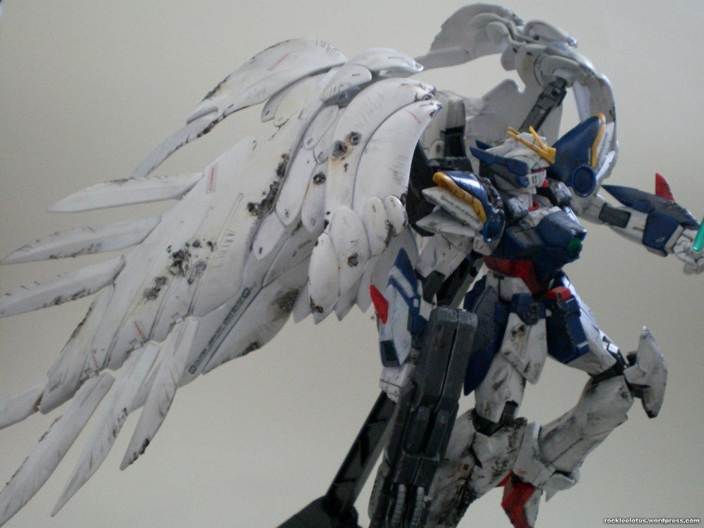 MG Wing Zero Custom WIP 06 -Damaged Wings + Test Shoot- (1/6)