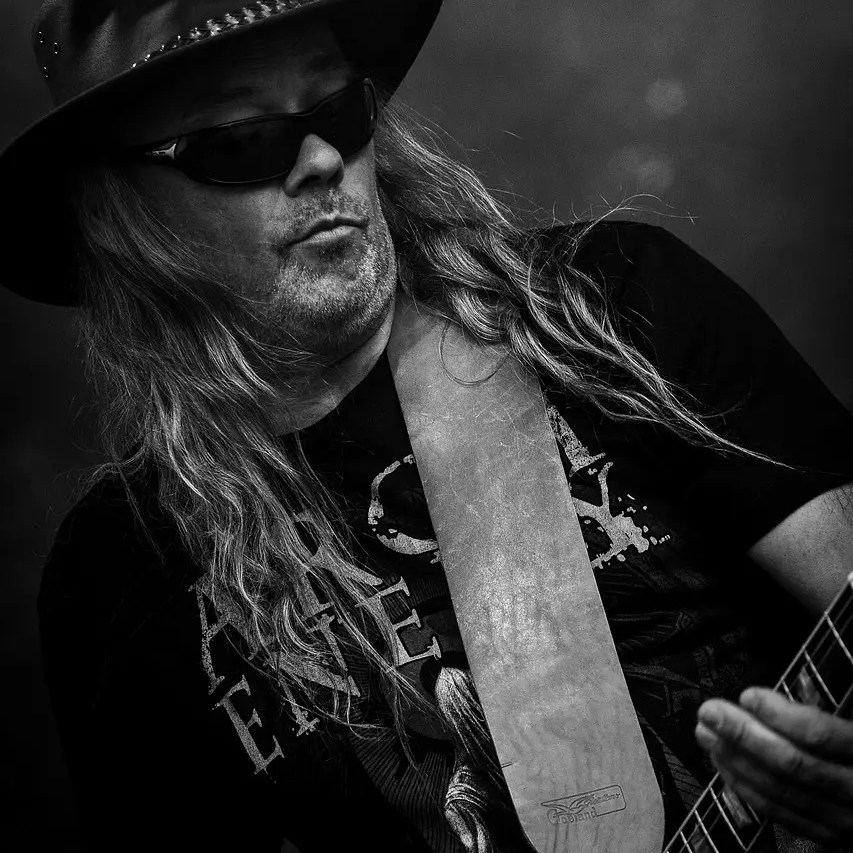 rock n roll, black roses, guitar