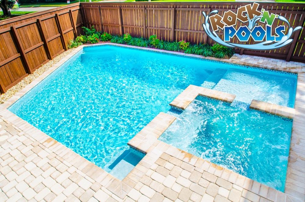 Rock'N'Pools Avron Drive Banner
