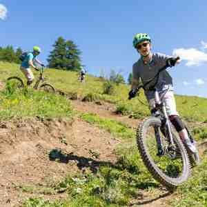Trottinette tout terrain bike park en famille