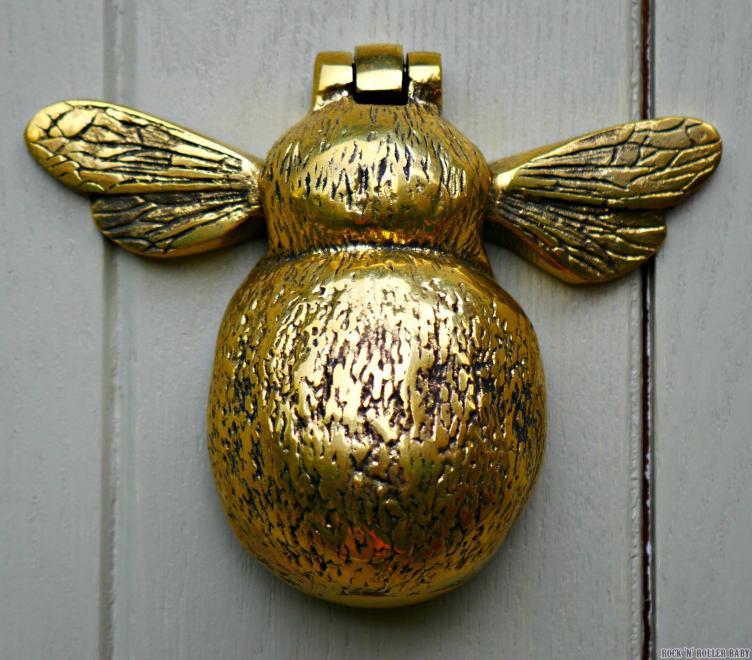 My Mum bought us this lovely bumblebee door knocker as a housewarming present.