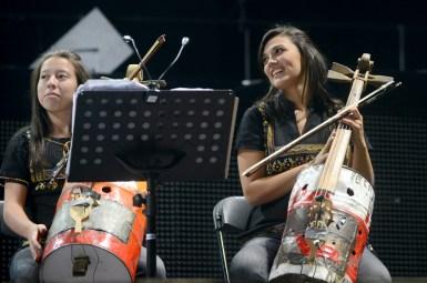 Orquesta Cateura de Paraguay - Metallica en Chile 2014 | Fotógrafo: Javier Valenzuela