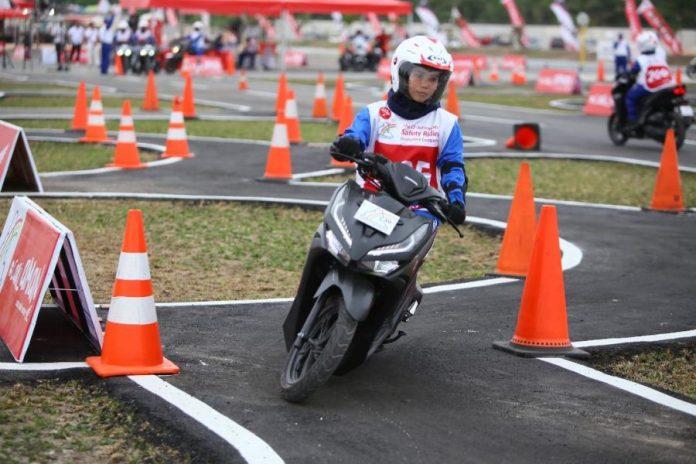 instruktur safety riding